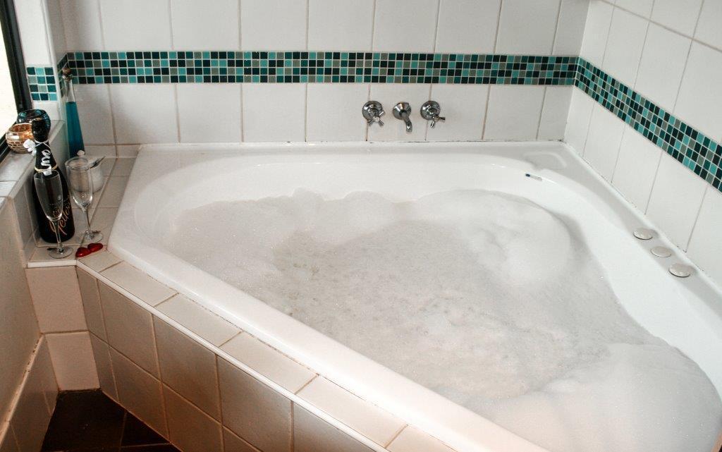 Spa tub at  Cloud nine spa chalets