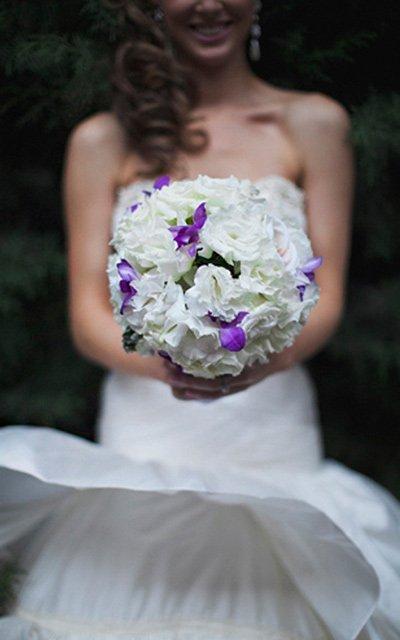 manuka flowers bride
