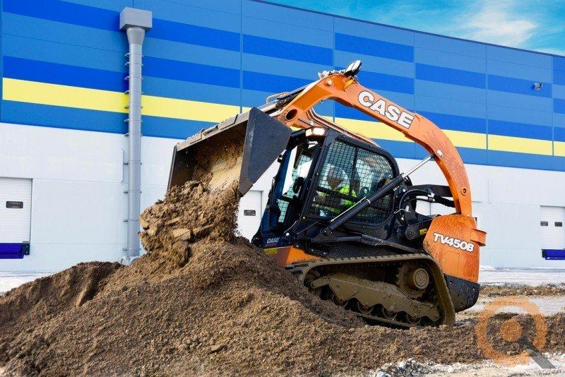 escavatore in funzione
