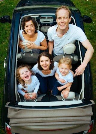 famiglia in auto