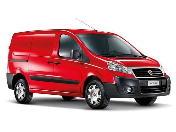 macchina rossa marchio Fiat Scudo