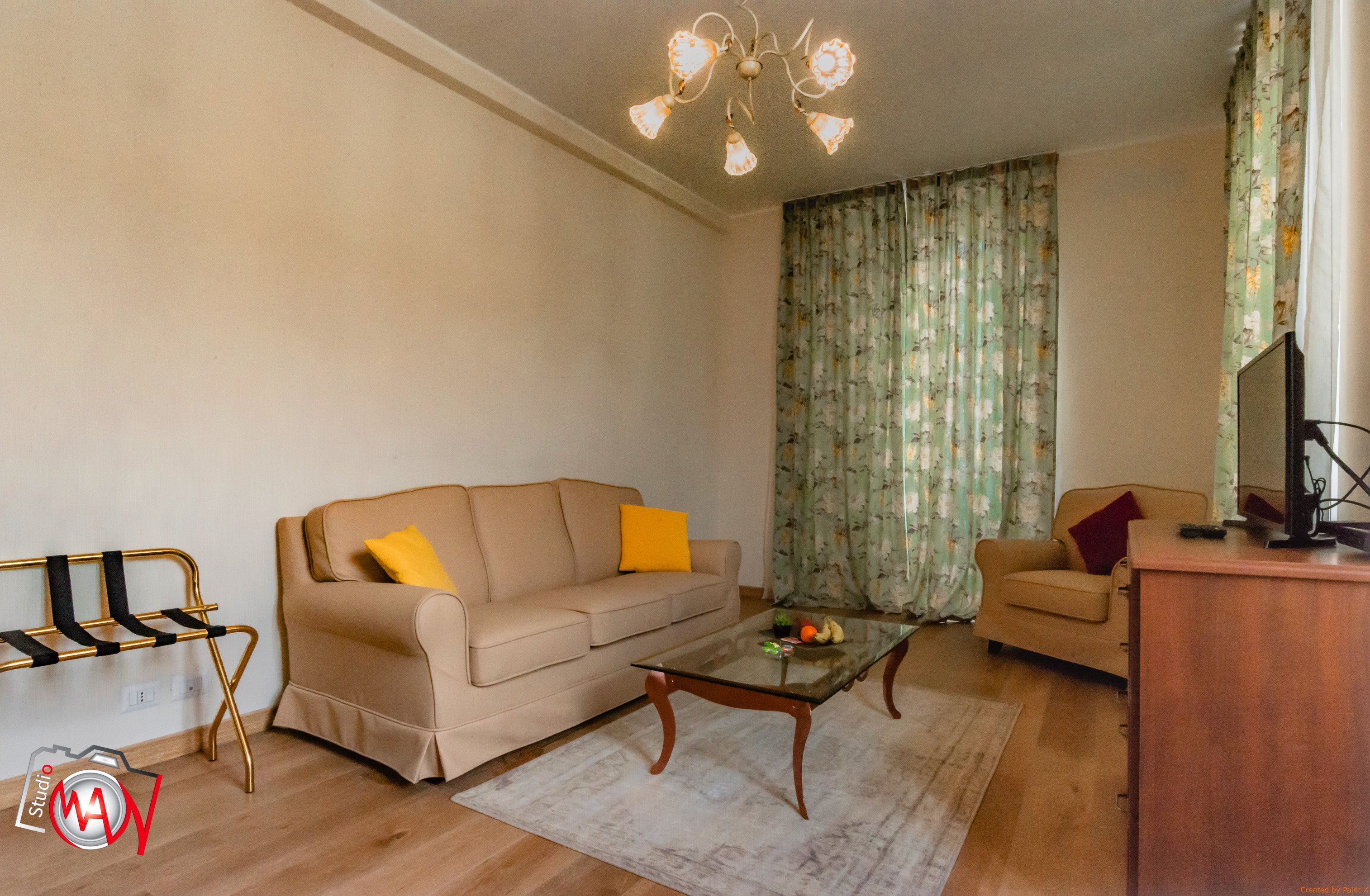 Salotto della suite con divani