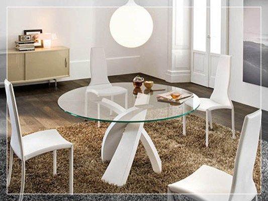Tavolino in vetro moderno