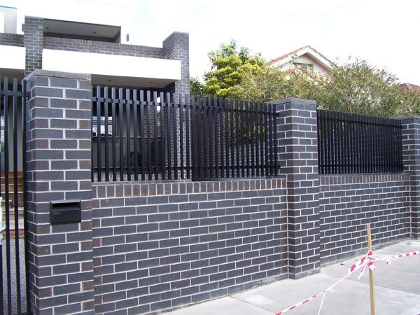 Black color quality fencing