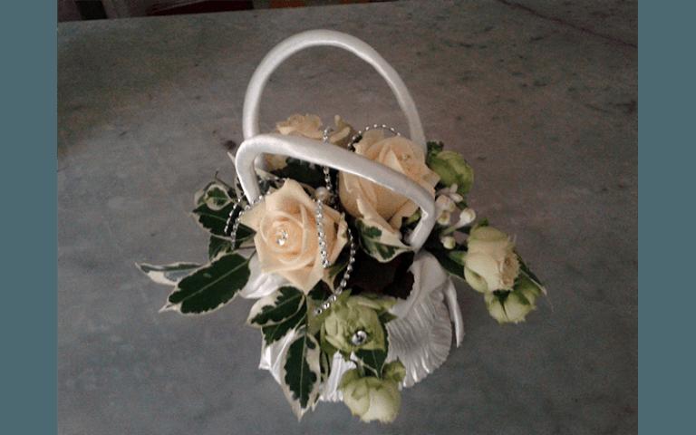 borsetta e fiori