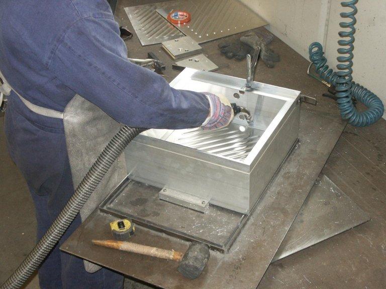 saldatura calotte in alluminio
