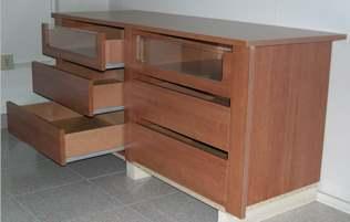 un cassetto di legno