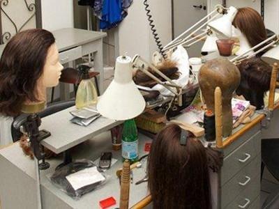 realizzazione parrucche per teatro