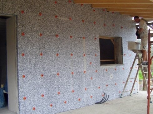 Esterno del muro di un edificio in costruzione