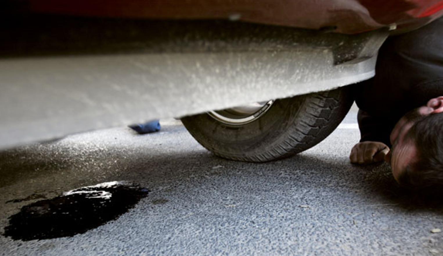 Common Vehicle Fluid Leaks | Discount Tire & Service Centers