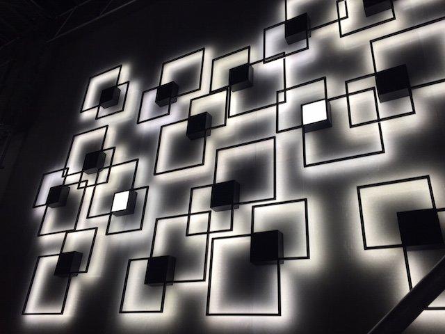 luci quadrate a muro