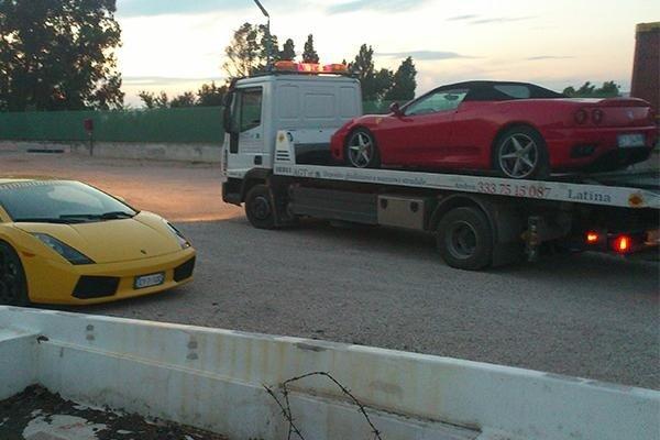 Agt Latina trasporto auto sportive per gare