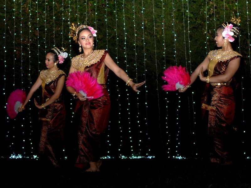 dancers with fan