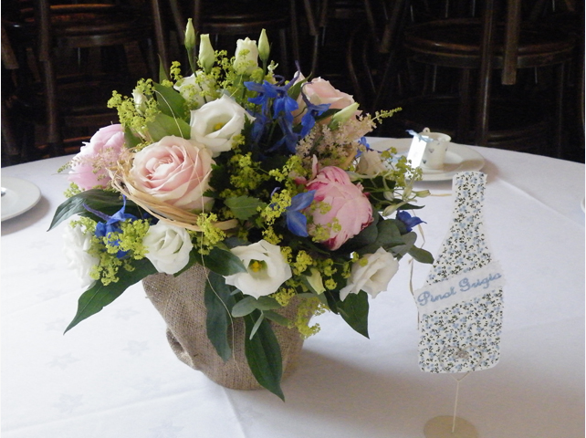 Summery table centre