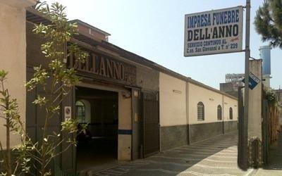 Garage parco autofunebri Dell Anno Napoli