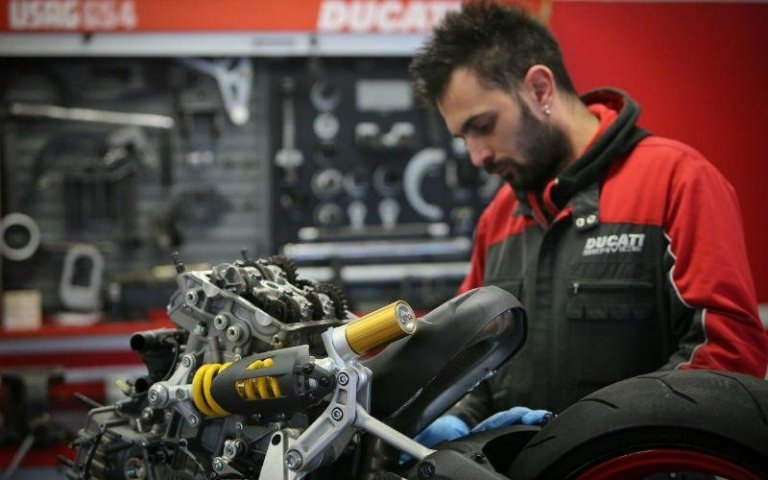 officina moto Ducati