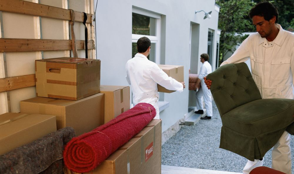 Movers providing household moving sevices in Anchorage, AK