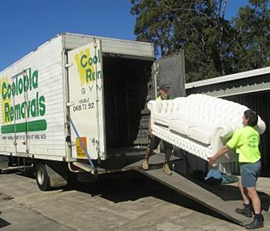 experts-providing-moving-service