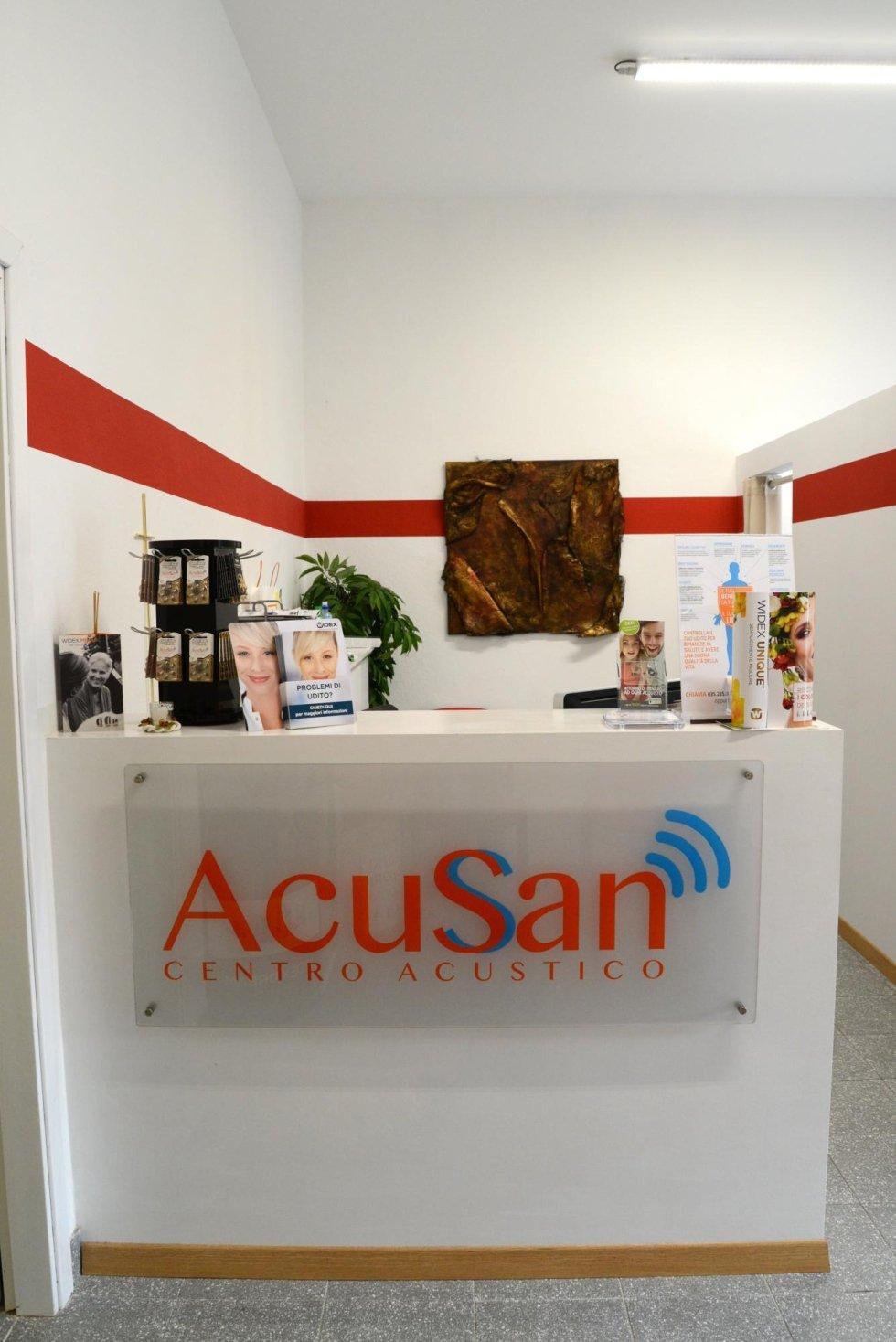 Dottor Ugo Marinoni - centro acustico specializzato in acufene a Bergamo