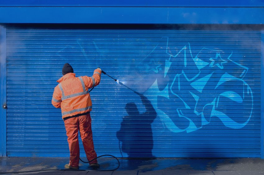 removing unwanted graffiti