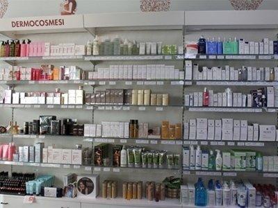 fornitura cosmetici