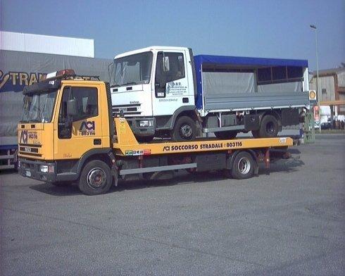 recupero camioncini, trasporto camioncino, mezzi per soccorso tir