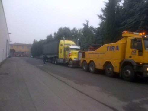 traino grandi mezzi, traino veicoli pesanti, trasporto veicoli sinistrati