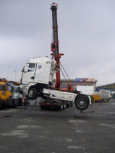traino mezzzi pesanti, spostamento gru, traino furgoni sinistrati