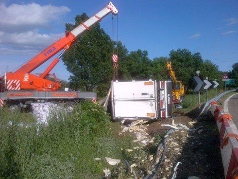 soccorso camion sinistrati, soccorso tir ribaltati, soccorso mezzi pesanti