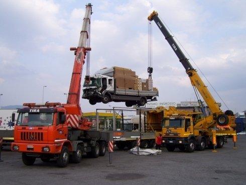 gru per recupero camion, recupero furgoni, traino autobus
