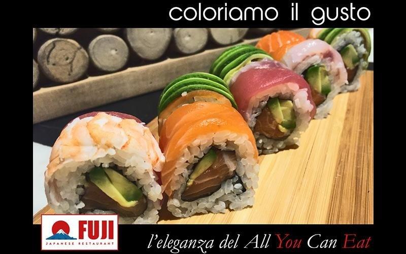 sushi con pesce misto