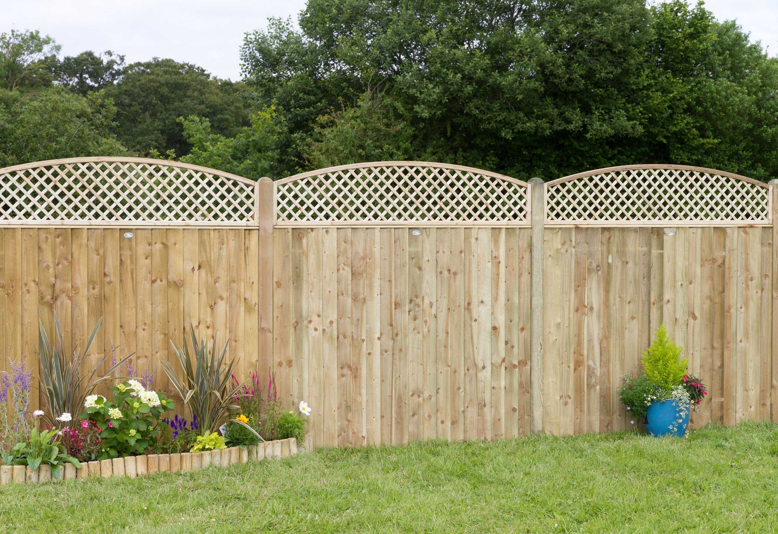 Haven timber quality heavy duty fence panels and trellis for Fence with arbor