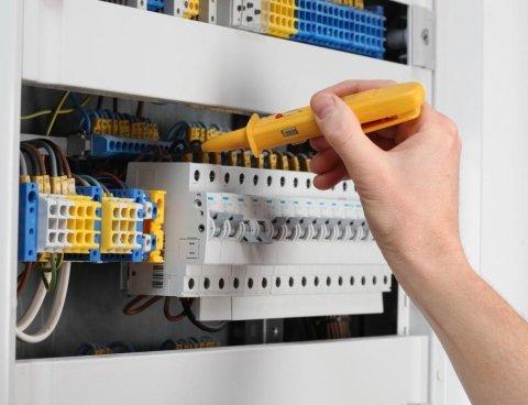 Manutenzione impianti civili elettrici
