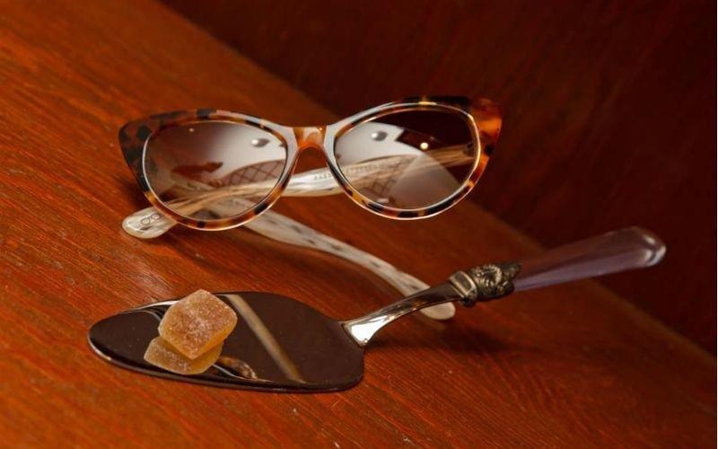 Vendita al dettaglio occhiali da sole