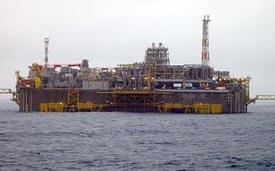 Обслуживание установок морских нефтяных платформ