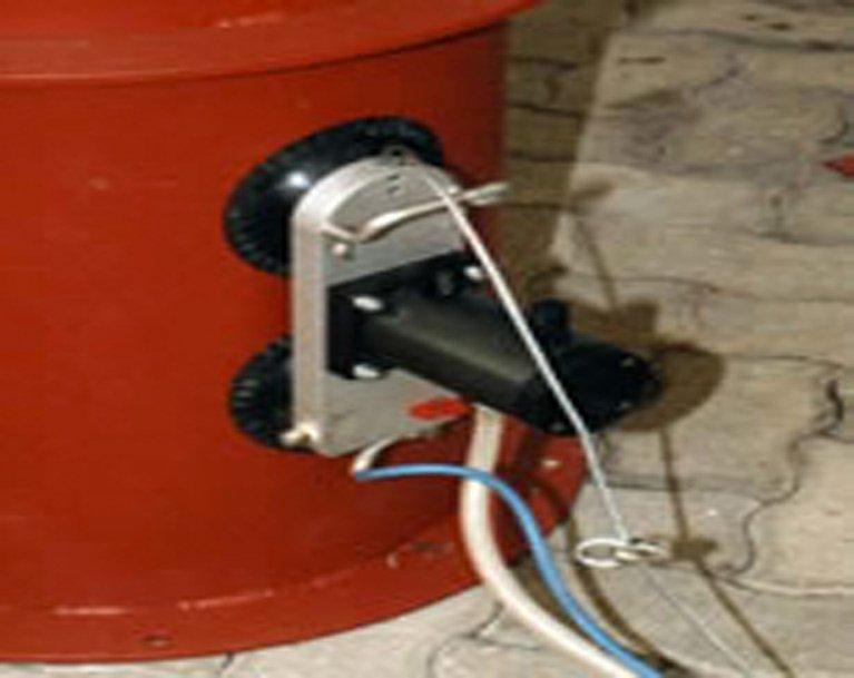 Vacuum mounted vibration installation