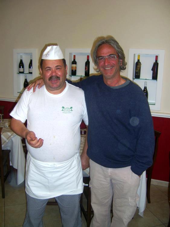 foto di cuoco con cliente famoso