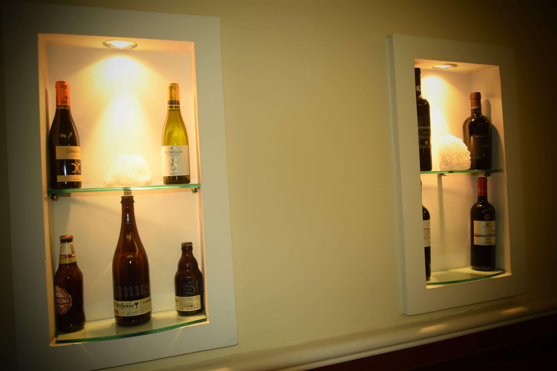 ristorante con scelta di vini