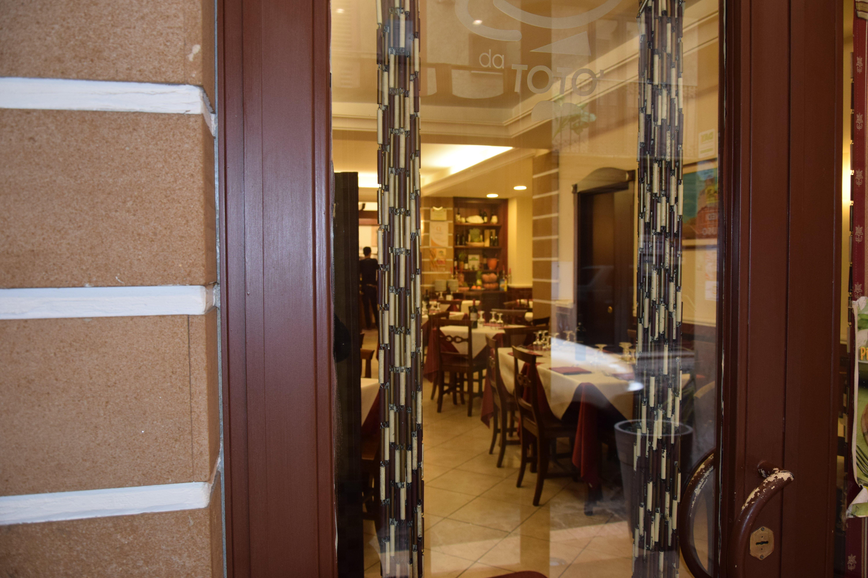 porta principale di un ristorante