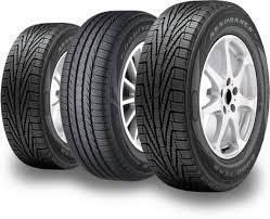image de pneus d'automobile
