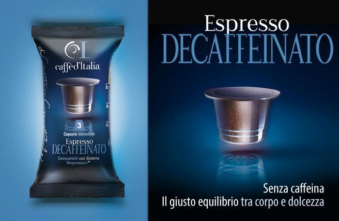 pubblicità caffè Italia con capsula di caffè chiusa, sulla sinistra, aperta, sulla destra