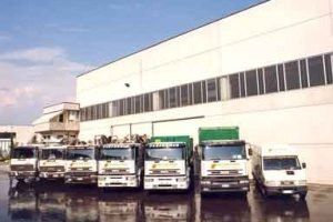 gestione rifiuti speciali, recupero imballaggi, camion per rifiuti