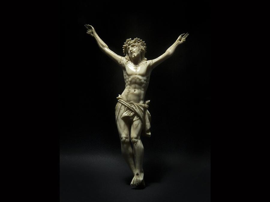Cristo in avorio - cm 15x11 - 2010