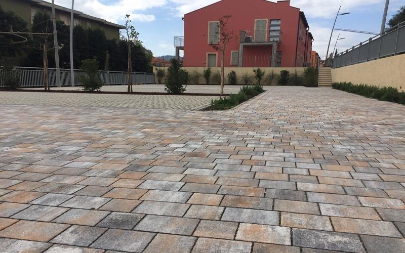 pavimentazioni con piastrelle autobloccanti