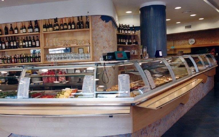 Allestimento locali commerciali roma cosentino arredamento for Cosentino arredamenti
