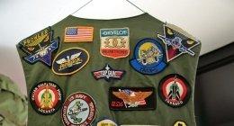 giacca militare con toppe