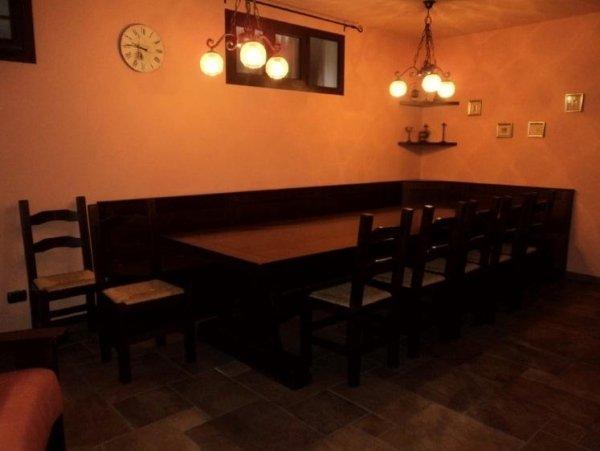 zona pranzo tavernetta