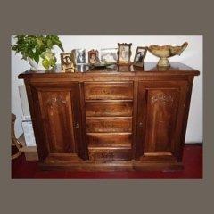 Mobile in legno con ante e cassetti