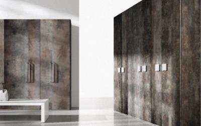 armadio con decorazione effetto marmo