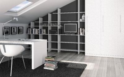 libreria su misura per sottotetto